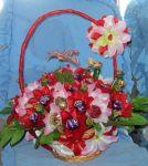 Серця, букети з цукерок до дня Святого Валентина і 8 Березня.