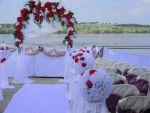 Виїзні церемонії зі штучних і живих квітів. Комплексниі і міні.