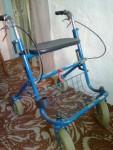 роллер (ходунки для інвалідів і літніх)