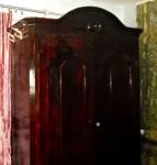 Продам Антикварный шкаф средины- конца 18 века