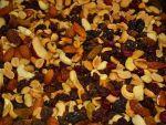 Миндаль орехи и сухофрукты