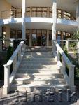 Лестницы наружные и внутренние из природного камня