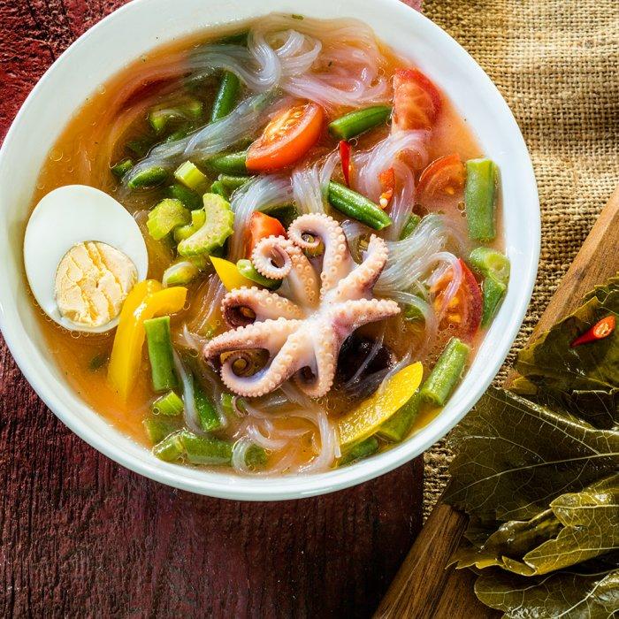 Овочевий суп з фрунчозой і морепродуктів