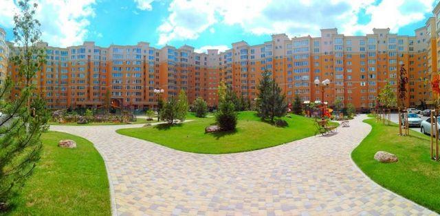 Квартира в новостройке в Вишневом от застройщика - фото