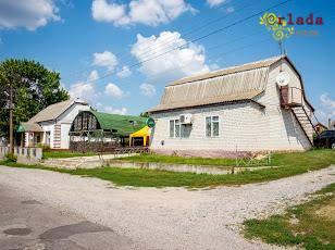 Продам нежилые помещения в с. Бугаевка, Глобинский р-н, Полтавская обл. - фото
