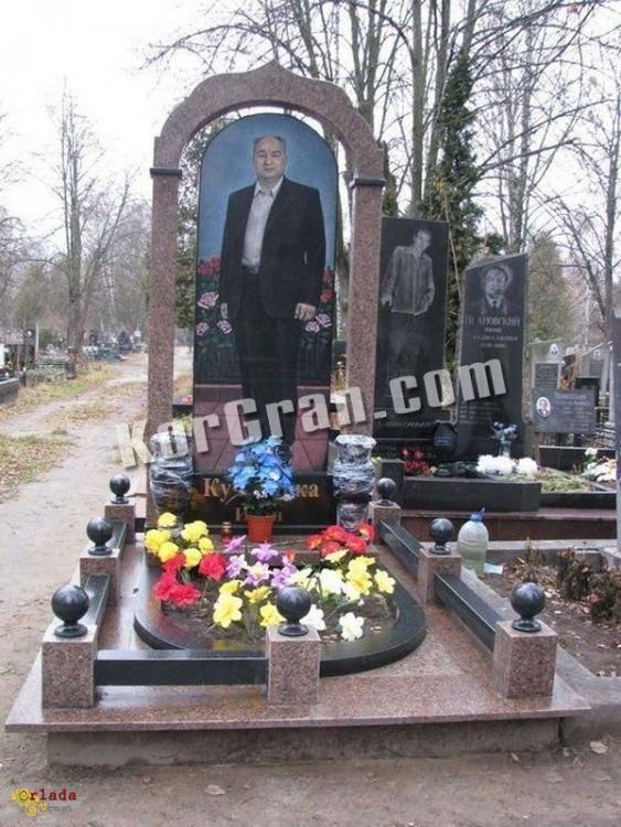 Пам'ятники з граніту з доставкою по Україні - фото