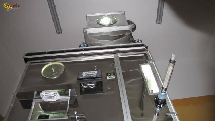 Машина с весовым дозатором для задувки пуховиков Днепр - фото