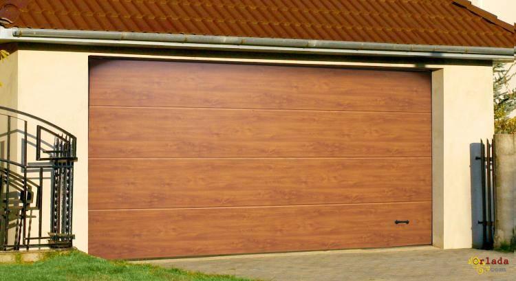 Гаражные секционные ворота - фото