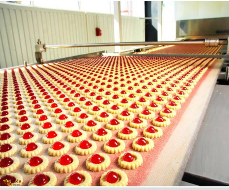 Работа на производстве - фото