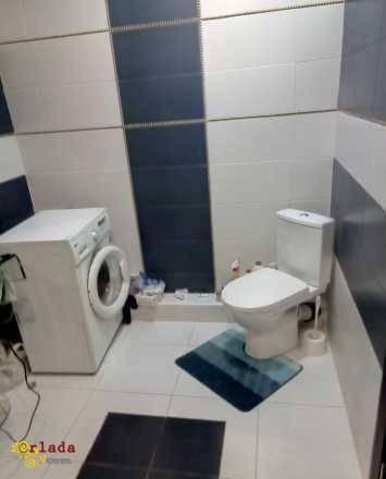 Сдам 2-х комнатную с дизайнерским ремонтом - фото