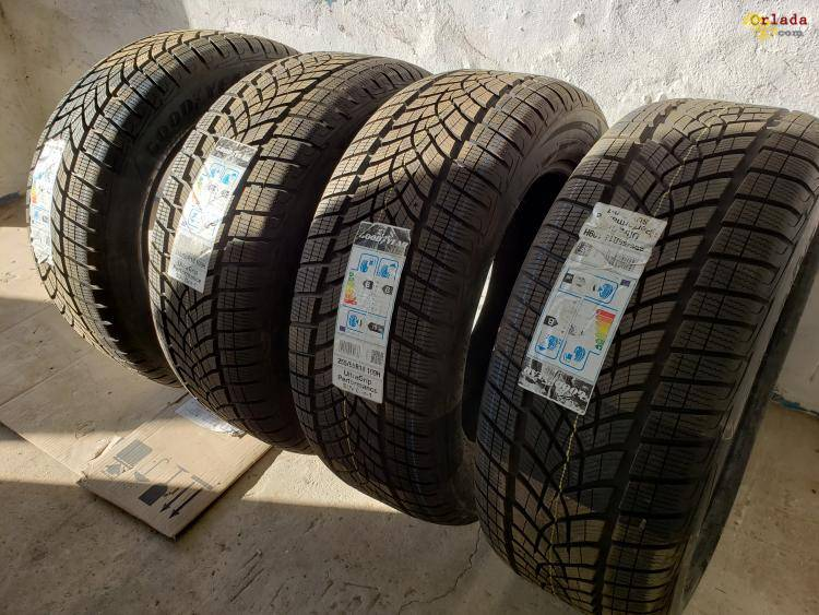 Шины зимние Goodyear Ultra Grip Performance 255 / 55 R18 - фото