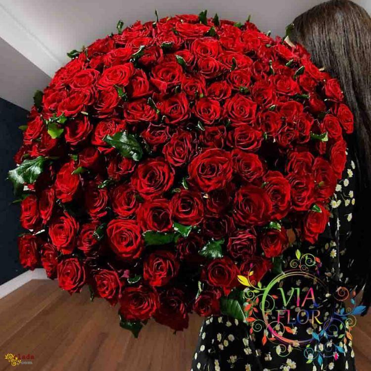 Лучший выбор букетов 101 роза в Харькове - фото