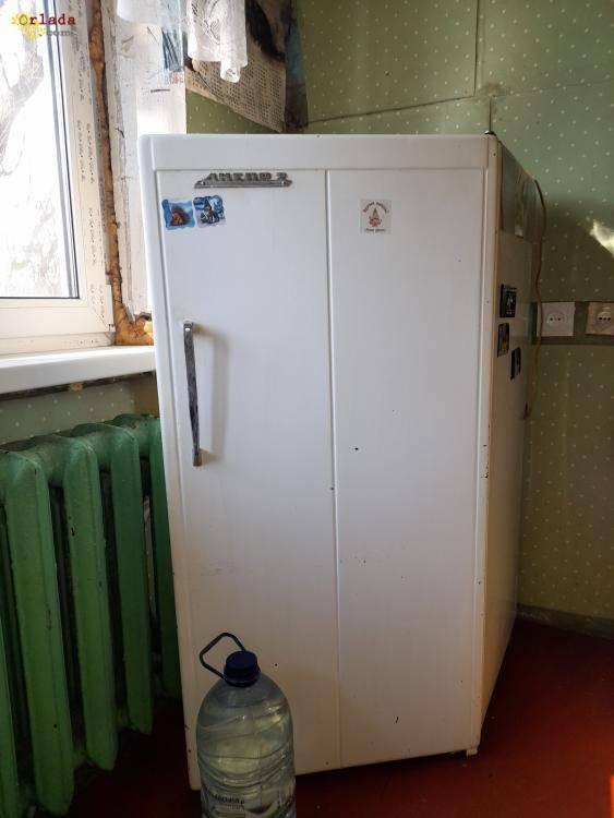 продам  б  у  холодильник   ссср - фото