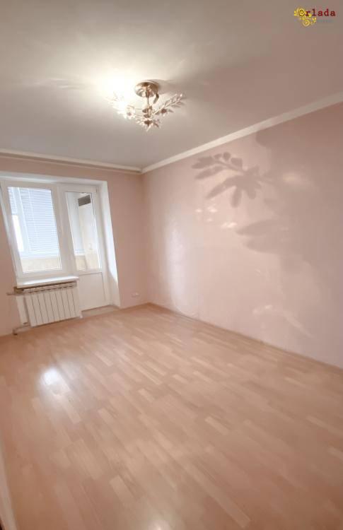 Продам уютную трехкомнатную квартиру - фото