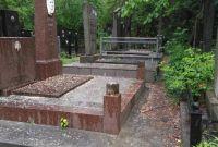 Установка, вирівнювання, догляд, прибирання пам'ятників, могил - фото 2