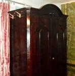 Продам Антикварний шафа середини-кінця 18 століття - фото 1